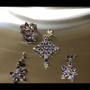 Jewelry - Beautiful silver jewelry set with amethyst